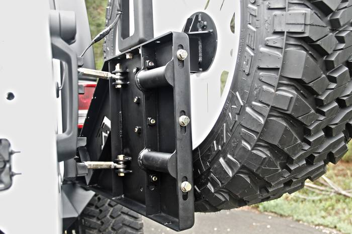 Fab Fours - Off The Door Tire Carrier   Fab Fours (JP-Y1261T-1)